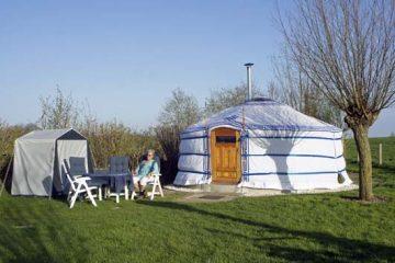 Yurt met keukentent op 't Hofke