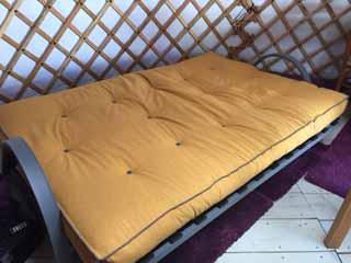 De bedbank nu als bed