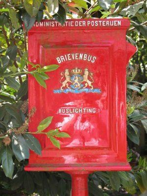 Nostalgische brievenbus